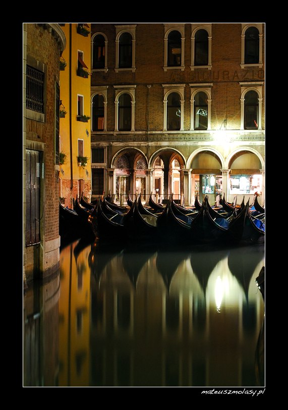 Gondole nocą, Wenecja, Włochy | Gondola by night, Venice, Italy