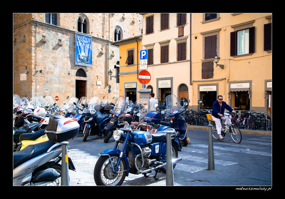 Bikes & scooters in Florence, Tuscany, Italy