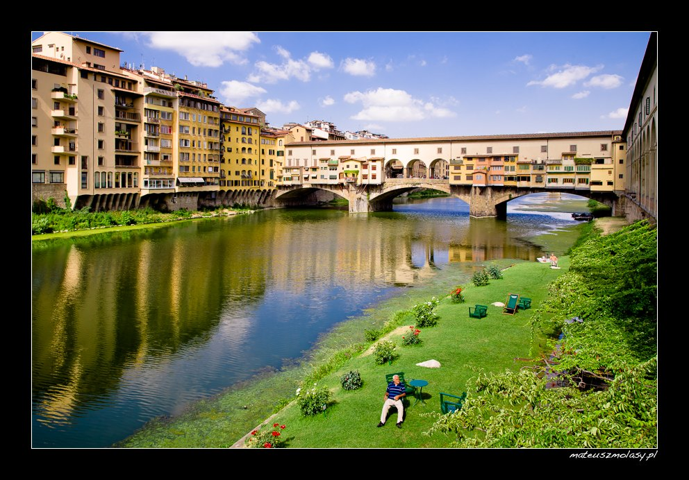 Relax below Ponte Vecchio, Florence, Tuscany, Italy