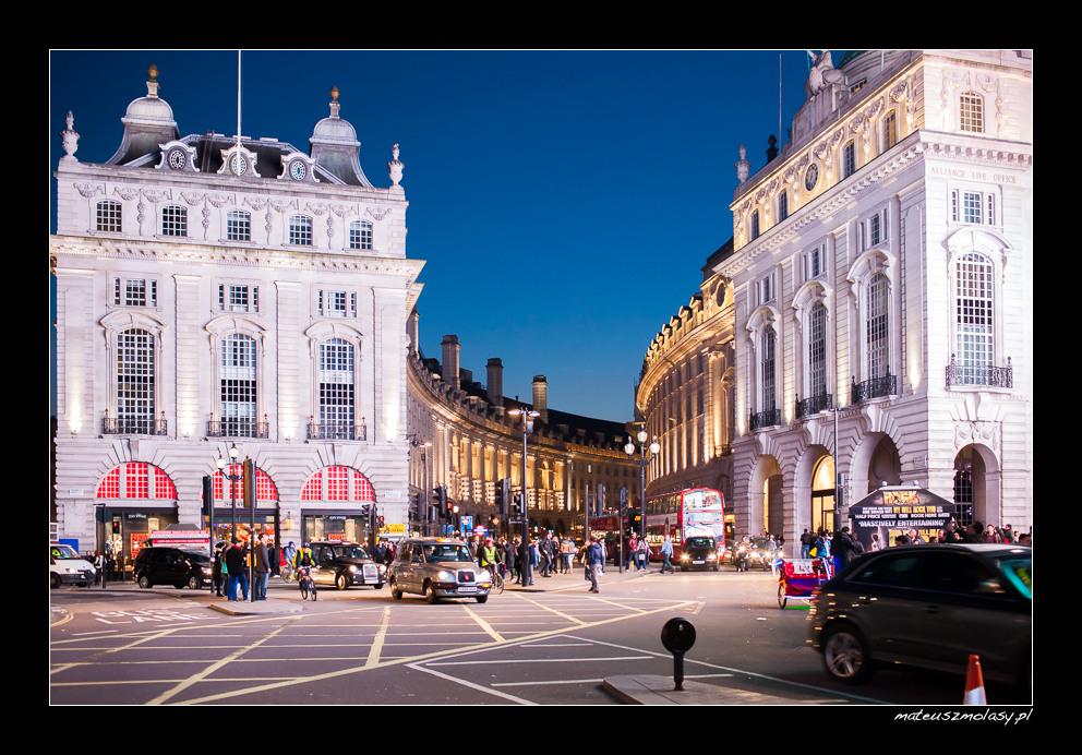 London, Picadilly by night, Regent Street